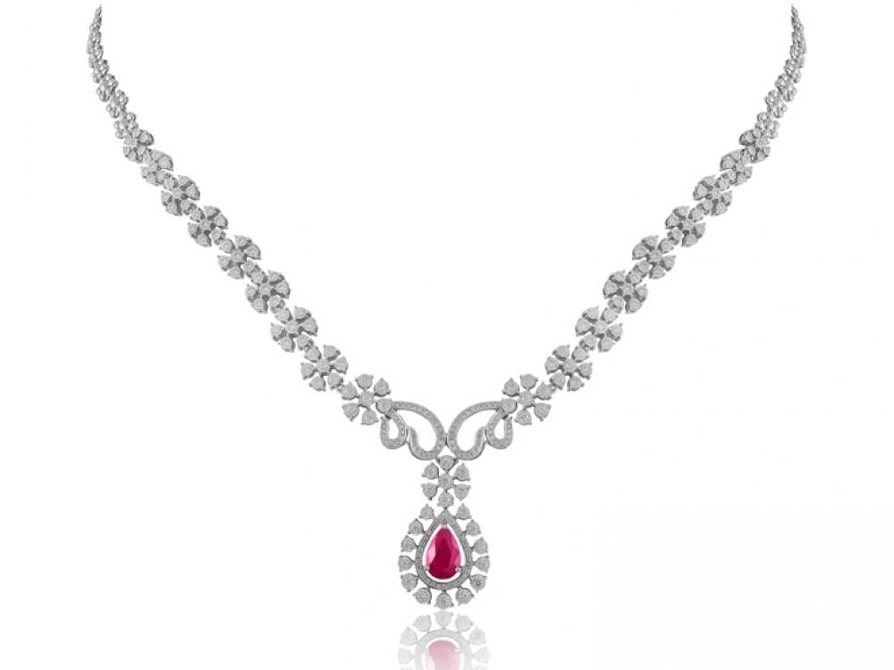 Kalung Berlian Warna Merah