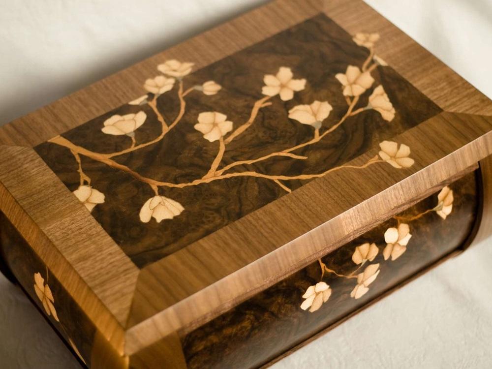 Kotak Perhiasan Model Floral