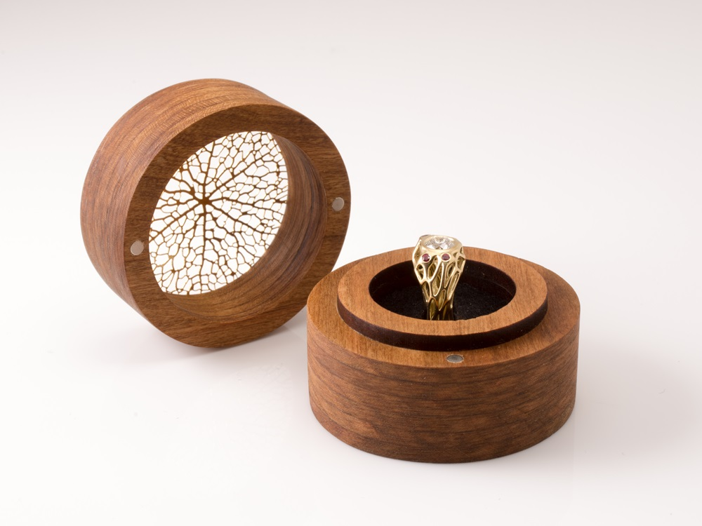 Model Kotak Cincin Kayu Bulat