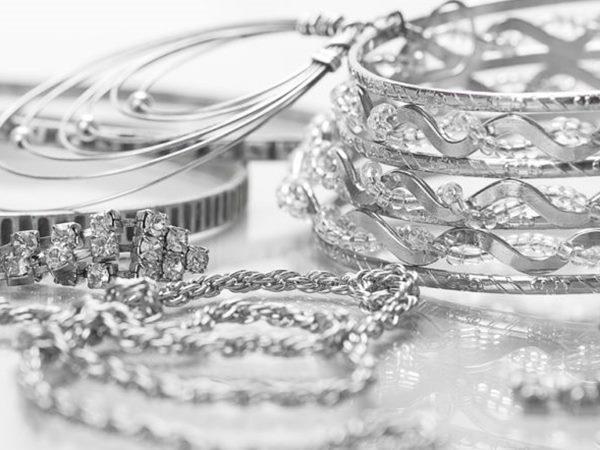 Model Perhiasan Perak Elegan