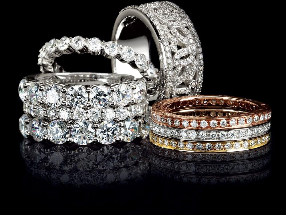 Perhiasan Berlian Model Gelang Elegan