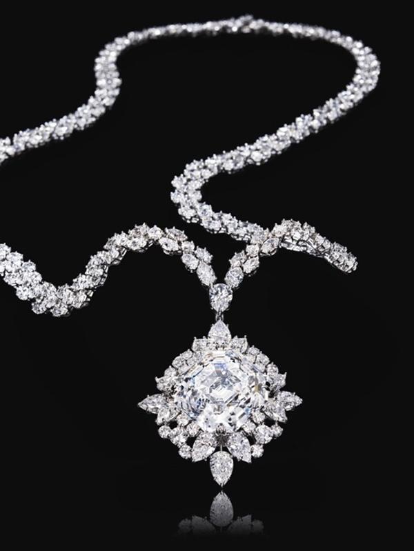 Perhiasan Berlian Model Kalung Elegan
