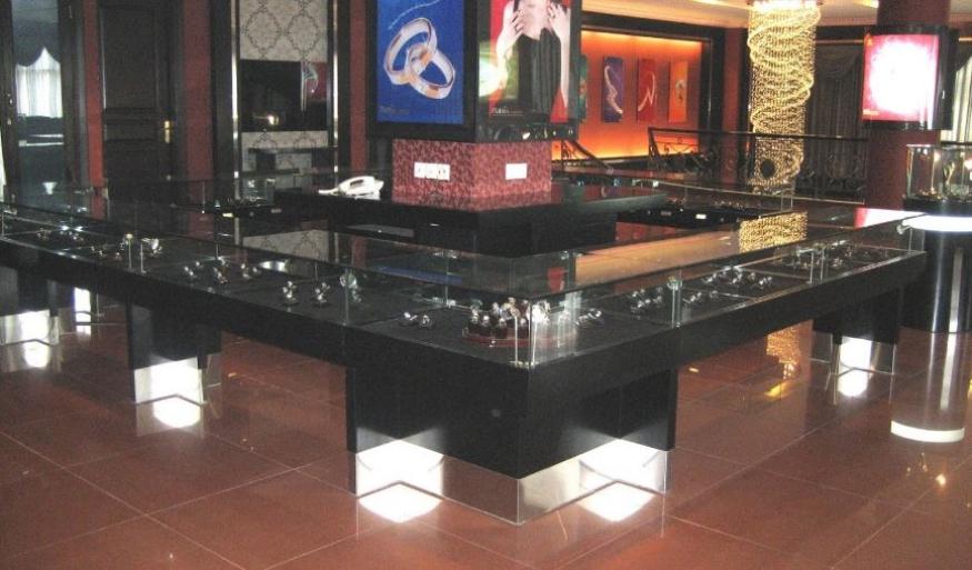 Graha Platino (PT. Eka Silver & Gold Jewelry) Surabaya