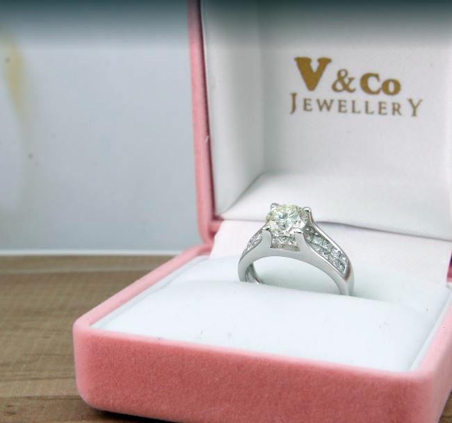 V&Co Jewellery Jakarta Selatan